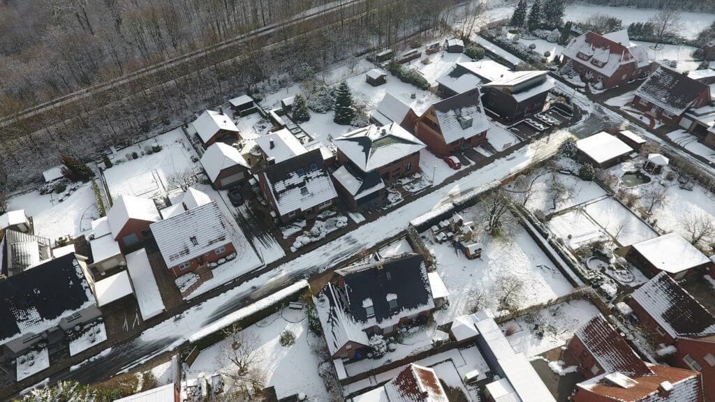Luftbild Wohnhaus im Winter
